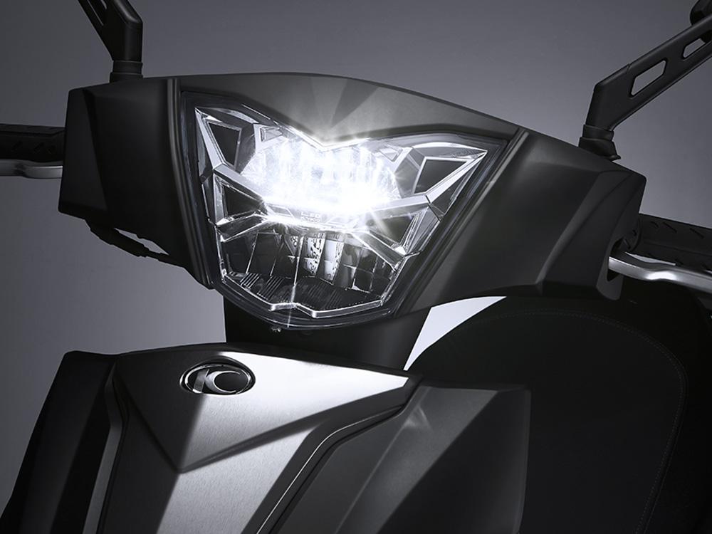 汽車級LED大燈-運通租機車-台中火車站租機車