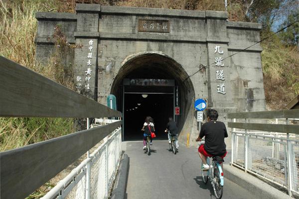 東豐鐵馬道-台中火車站租機車